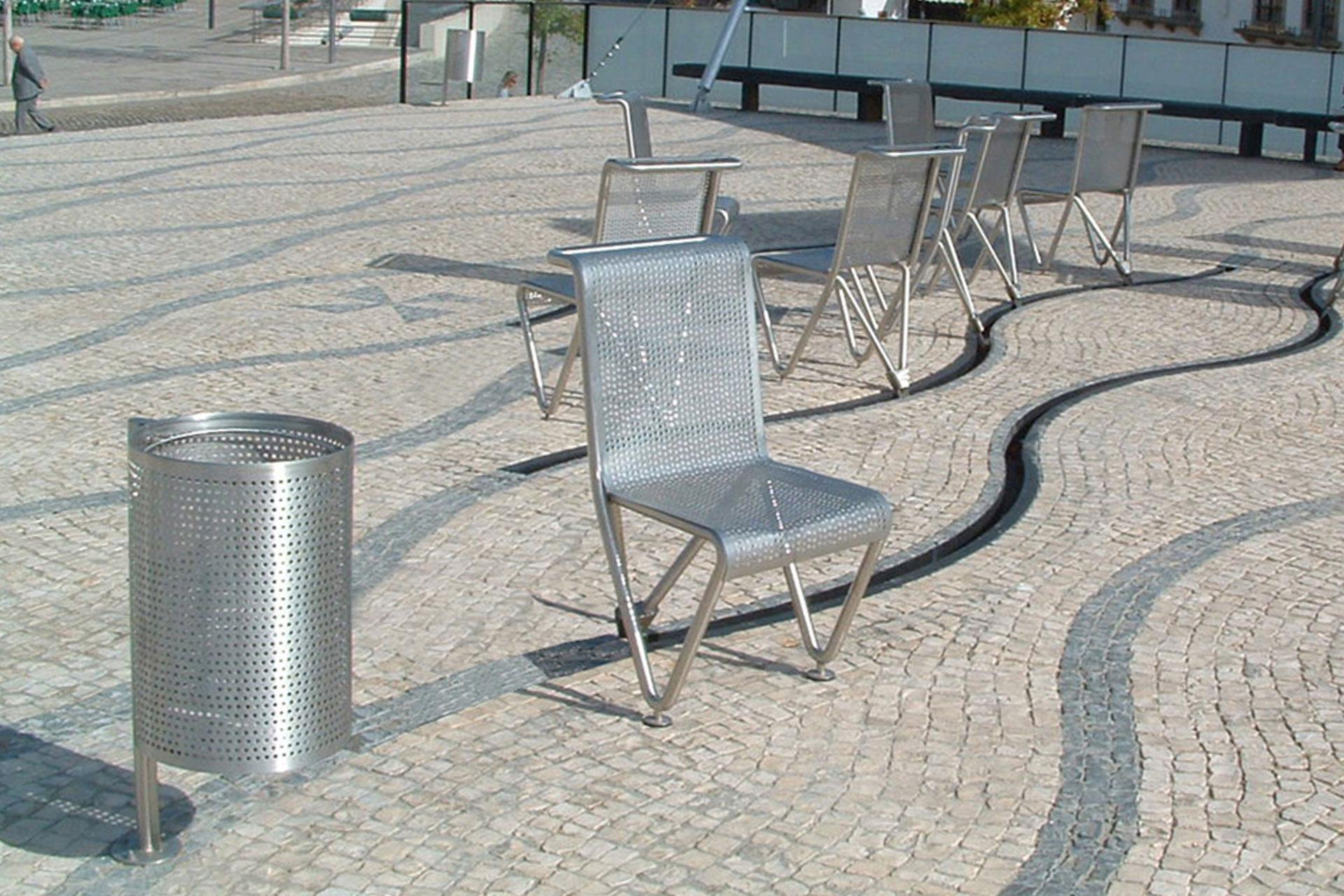 UrbanObjekts Mateo Abfallbehälter